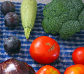 800px-Fruits_veggies_crop