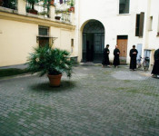 Kinhin in the courtyard