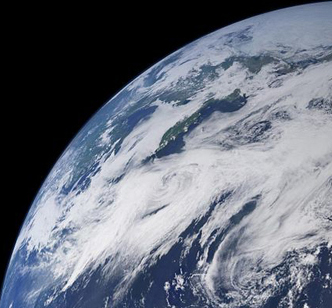 Photo-like_view_of_Earth_crop