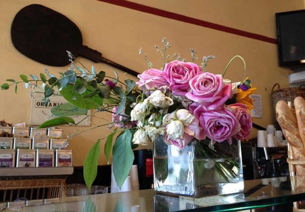 cafe-de-soleil-flowers