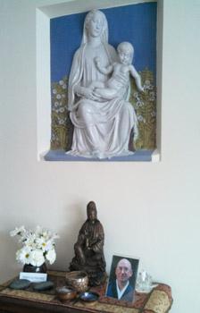 Altar (set up for a memorial service for Myogen Steve St�cky).