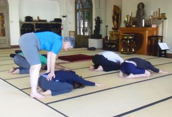 Yoga_4_sitters_001_x350