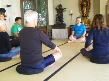Yoga_4_sitters_014_x350