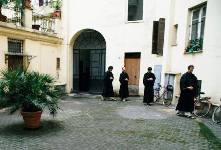 Kinhin in the courtyard.