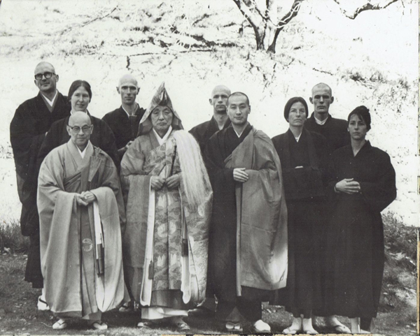 (L to R) First row: Suzuki Roshi, Tatsugami Roshi, Yoshimura Sensei, Fran Thompson, Maggie Kress; second row: Paul Discoe, Jane (?), Peter Schneider, Dan Welsh, Nils Holm.