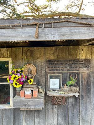GGF Farm Altar